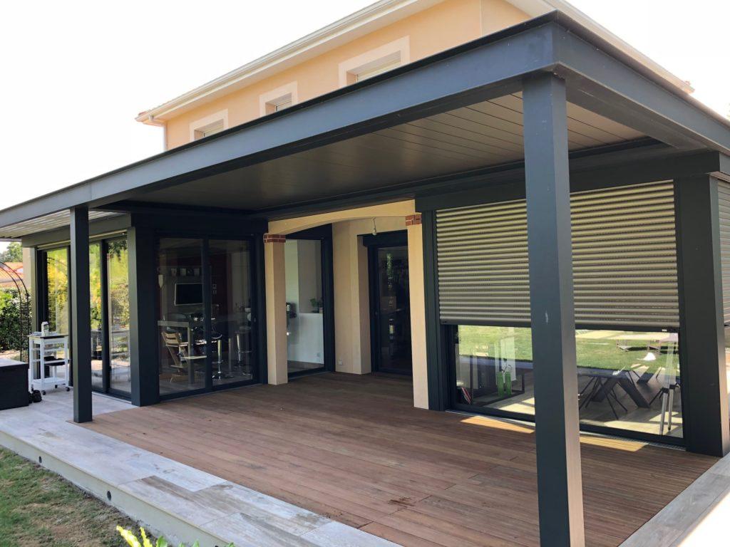 Pose d'une terrasse en bois extérieure